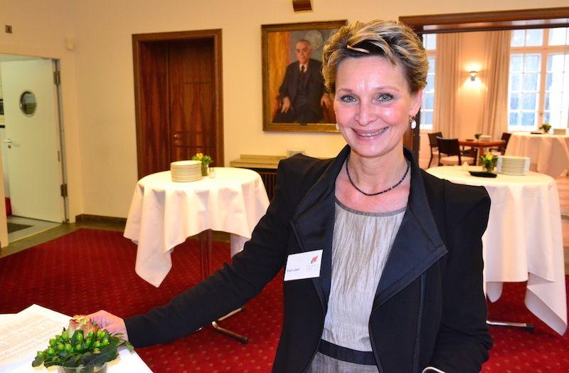 Frau Birgit Lubert ist Ansprechpartnerin in der Geschäftsstelle des Private Equity Forums