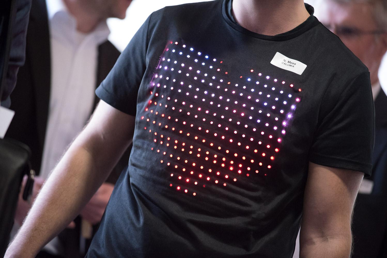 LED T-Shirt mit Herz