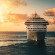 Kreuzfahrtschiff auf dem Ozean